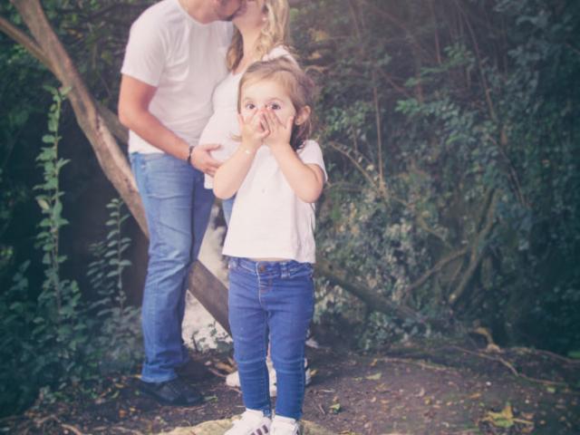 Photographe Grossesse, shooting extérieur, famille