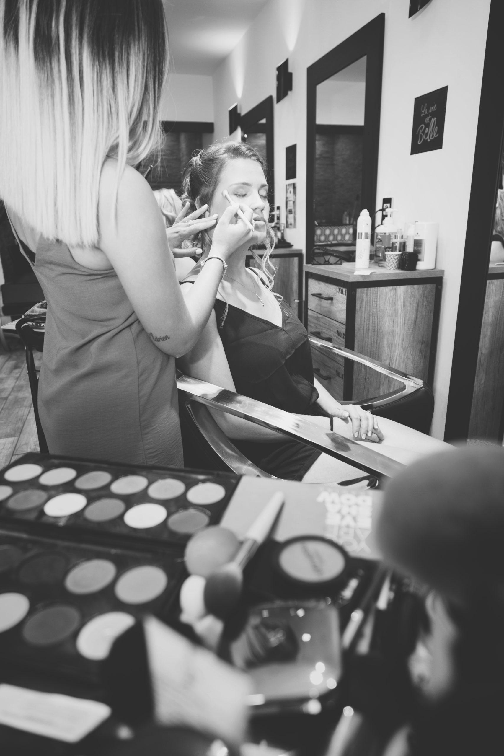 photographe de mariage préparatifs mariée maquillage Eternel Présent