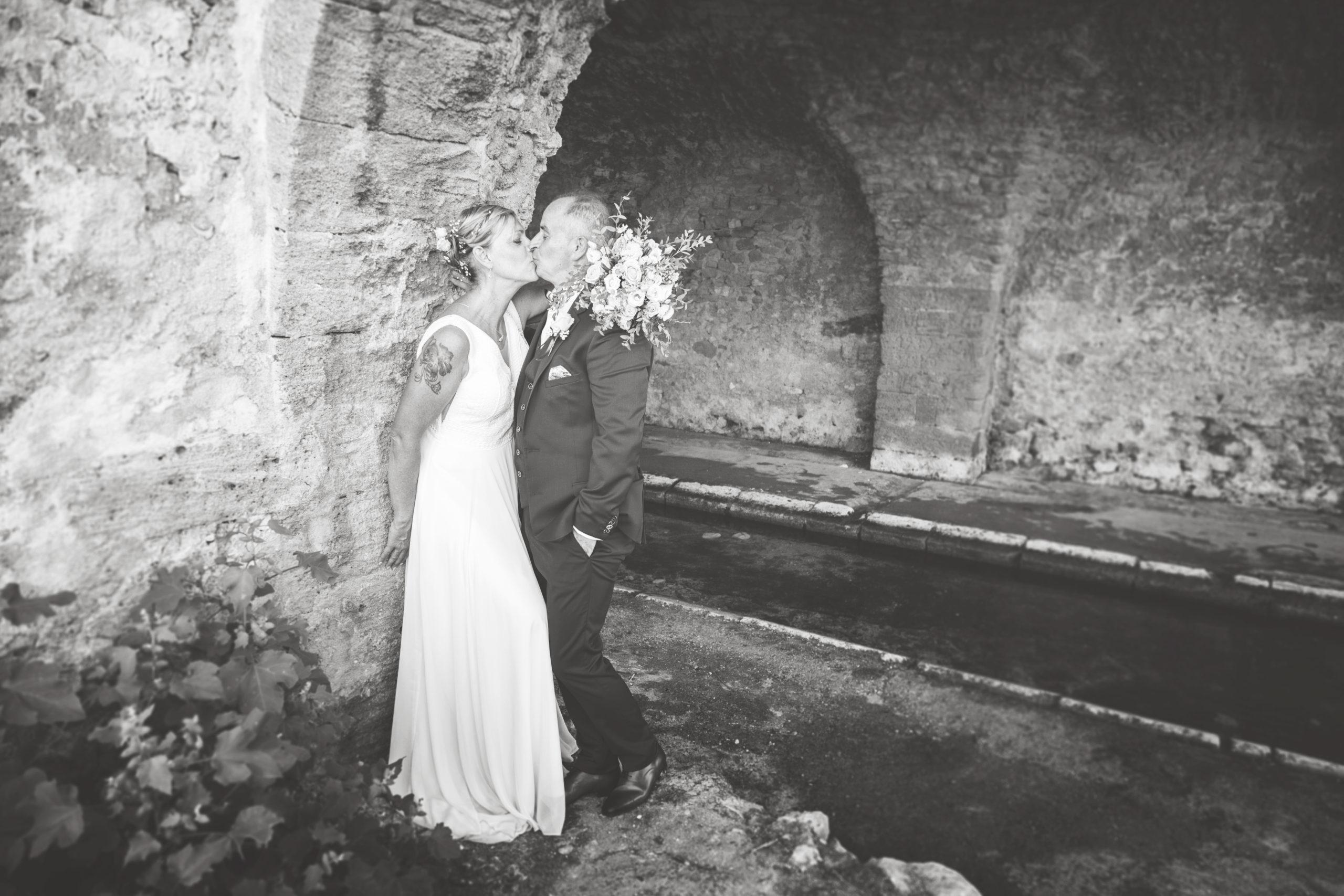 Photographe mariage, portrait mariés, portrait mariés noir et blanc